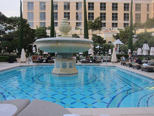 Best vegas insider hotel deals bellagio photos for Hotels in vegas with indoor swimming pools
